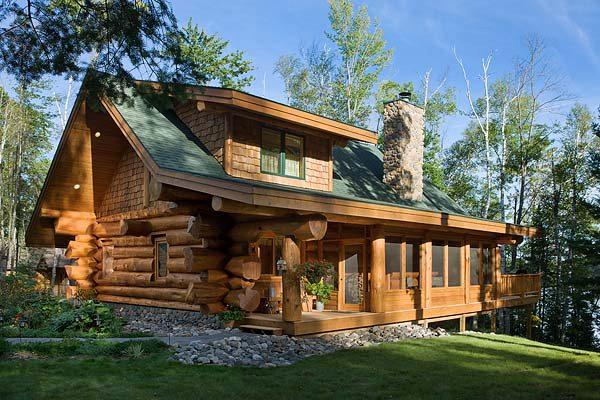 Деревянный рубленый дом